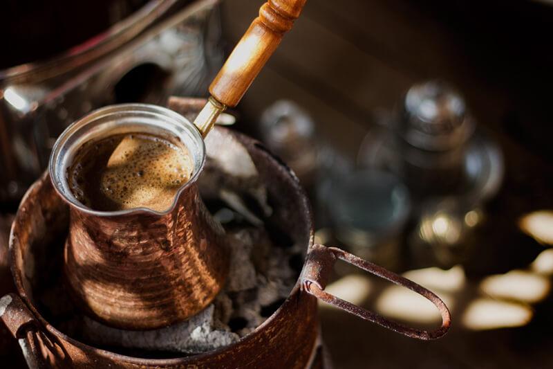 Văn hóa cà phê Thổ Nhĩ Kỳ và ấm cà phê Ibrik – Turkish Coffee