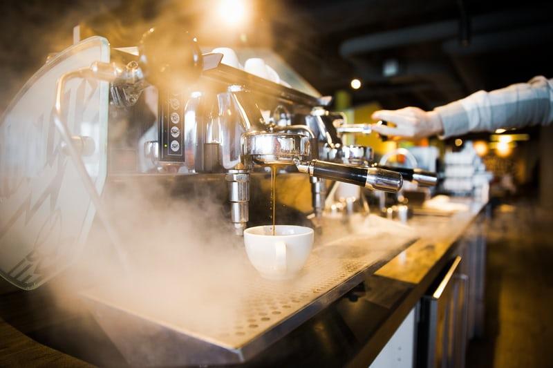 So sánh máy Espresso nồi hơi (Boilers) và trao đổi nhiệt (Heat exchanger)