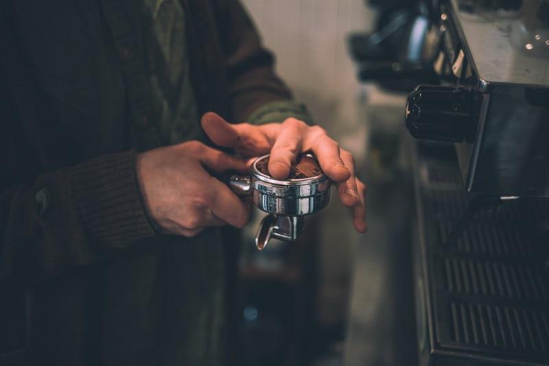 Các thao tác kỹ thuật khi làm Espresso | PrimeCoffee