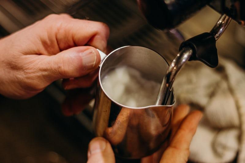 Nguyên lý của kỹ thuật đánh sữa (Steam milk) | PrimeCoffee